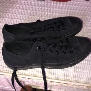 All black converse all stars Women's size 10